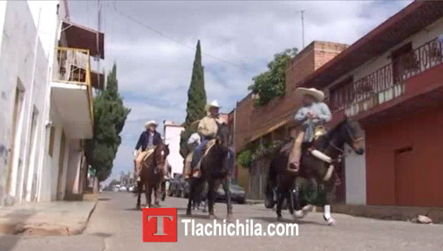Llegando a la Coleadera tlachichila 2014